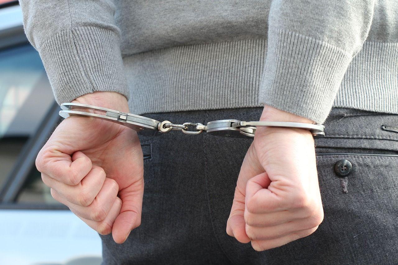 Komplikacje w sprawach spadkowych i karnych – w jakich sytuacjach warto skorzystać z pomocy prawnika?